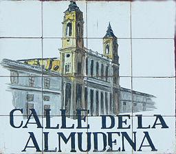 Calle_de_la_Almudena_(Madrid)
