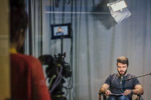 """Imagen: """"Plató TV 2 - TV set 2"""". Tomada el 7 de noviembre de 2018. Univesidad Carlos III de Madrid. Servicio de Comunicación Institucional. Is licensed under CC BY-NC-SA 2.0 via Flickr"""